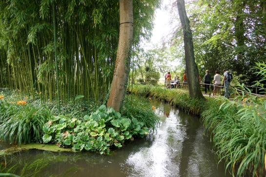 monet garden giverny 09