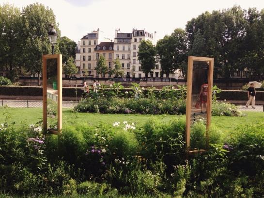 mirror_park_ile_de_la_cite01
