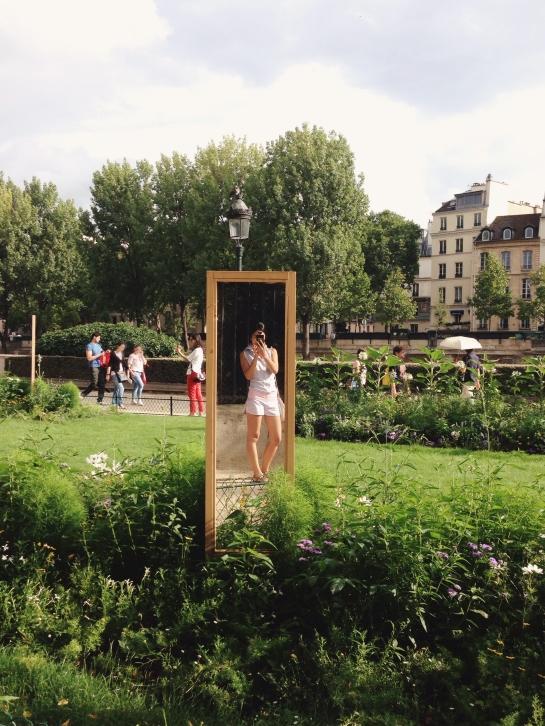 mirror_park_ile_de_la_cite02