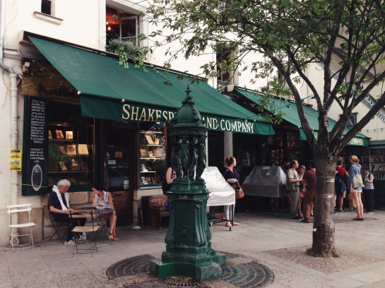 shakespeare_and_company_bookshop06