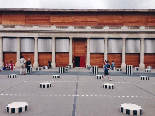 palais_royal_colonnes_columns_daniel_buren_09