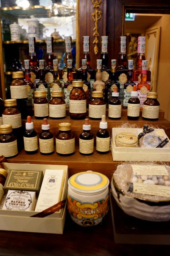 pharmacie_perfume_fragrance_santa_maria_novella_florence_firenze05