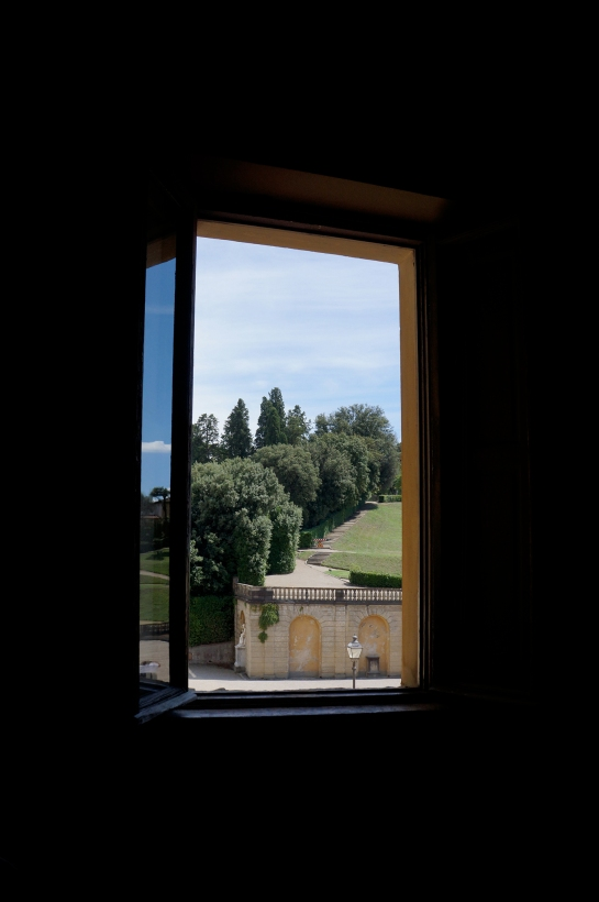 window_view_boboli_palazzo_palace_pitti_florence_firenze05