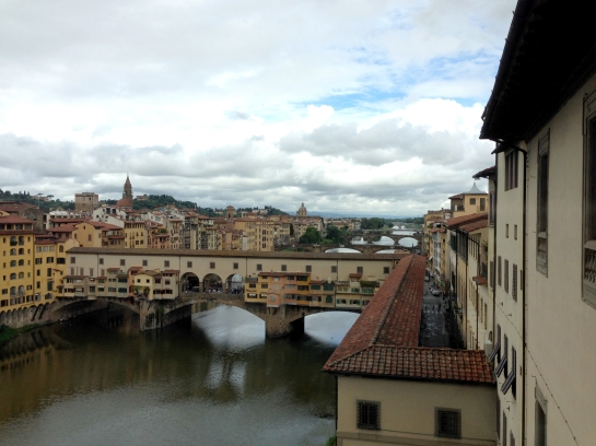 window_view_uffizi_ponte_vecchio_florence_firenze03