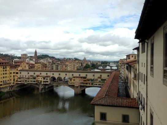 window_view_uffizi_ponte_vecchio_florence_firenze03
