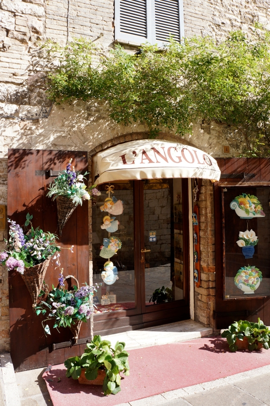 assisi_cute_shop_26