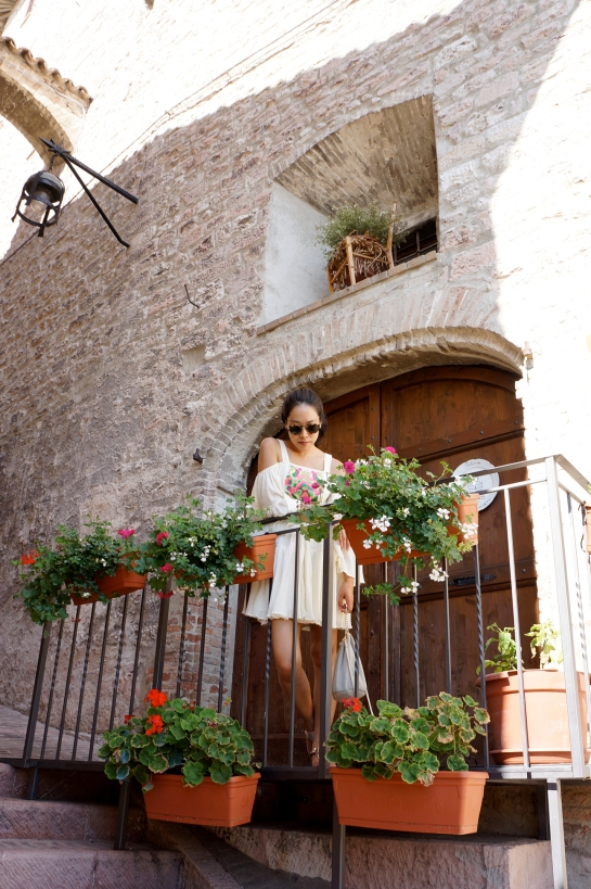 assisi_flower_balcony_17