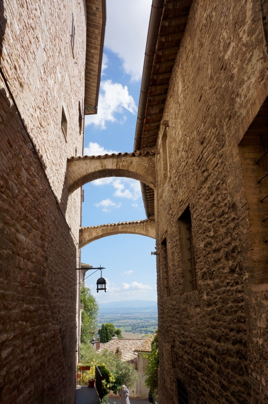 assisi_street_italy_15