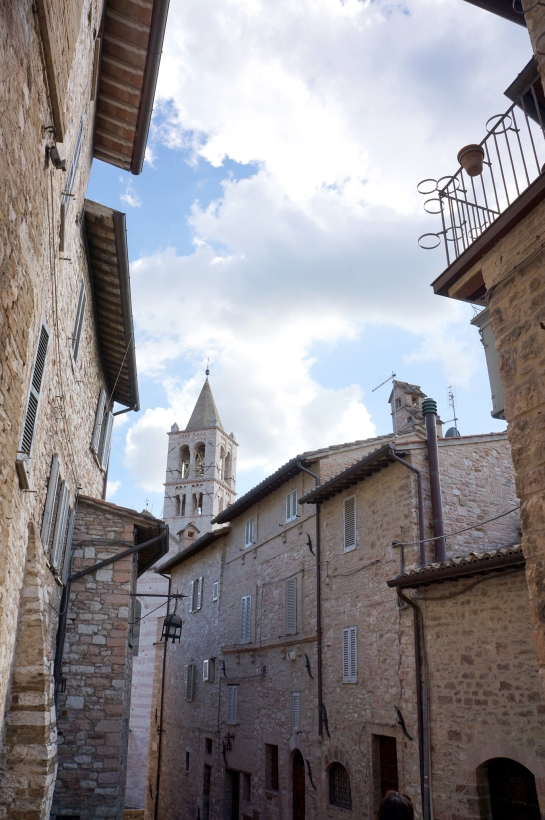 assisi_street_italy_31