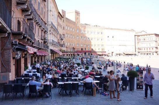 12_piazza_del_campo_siena_italy