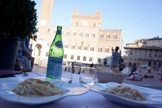 14_piazza_del_campo_siena_italy_pici_pasta