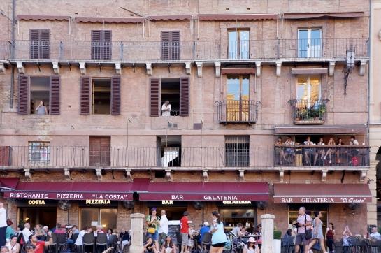 19_piazza_del_campo_siena_italy