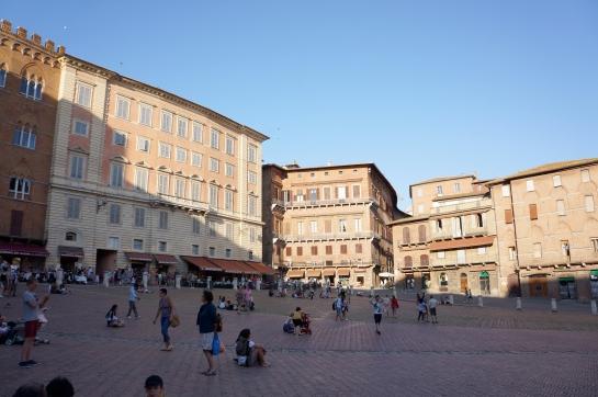 20_piazza_del_campo_siena_italy