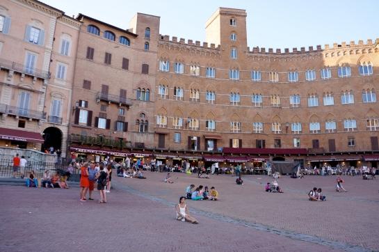 23_piazza_del_campo_siena_italy