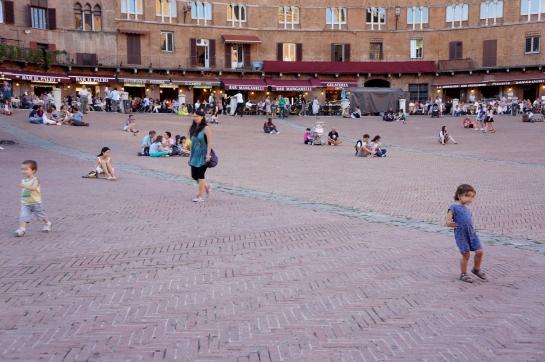 24_piazza_del_campo_siena_italy