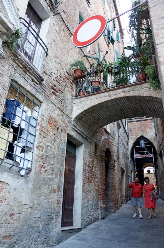 33_street_siena_italy
