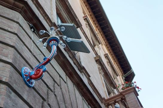 42_light_street_siena_italy